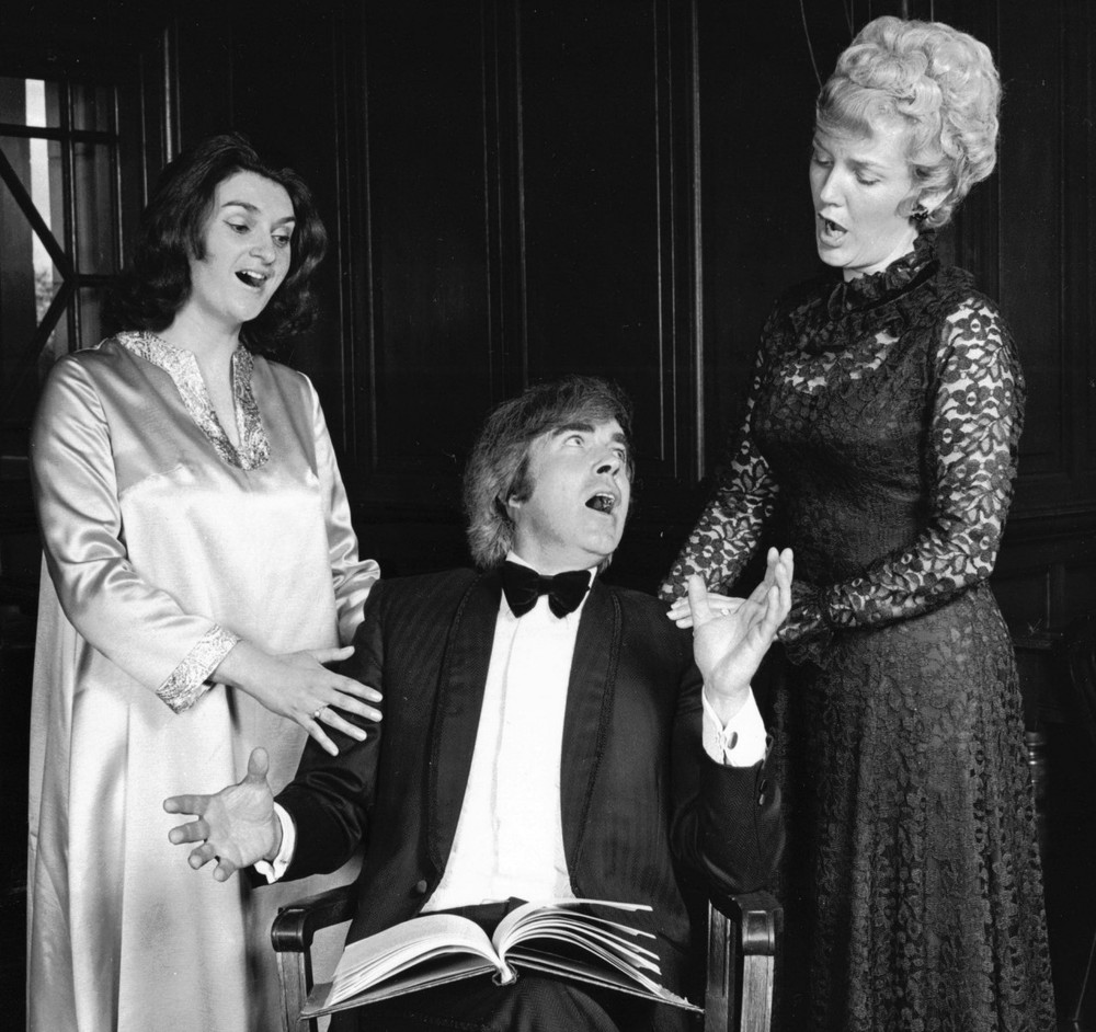03_John Cairney with Singers in 'The Scotland Story' 1976.jpg