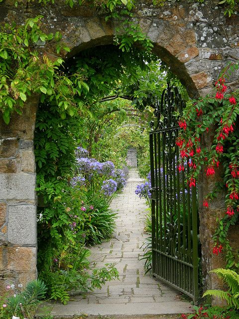 The Gardens of Samares Manor, Jersey  ~ Style Estate - 15 Gorgeous Garden Gates