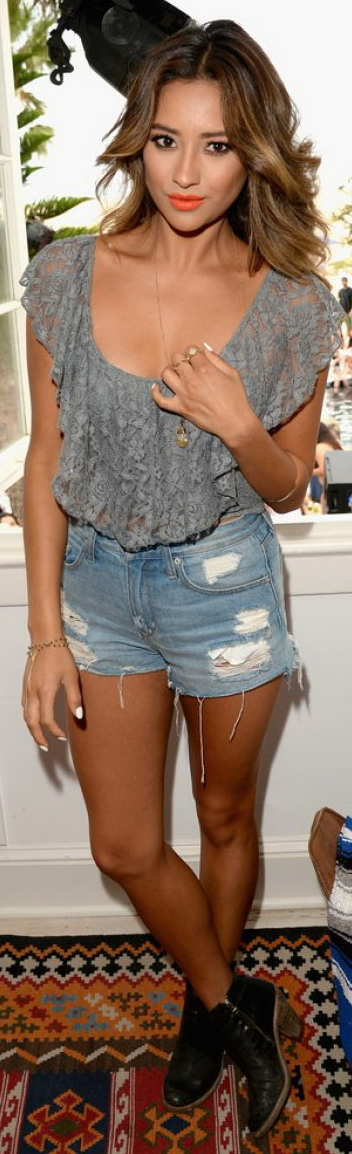 Shay Mitchell Attends Lucy Hale's Performance at the Hollister House