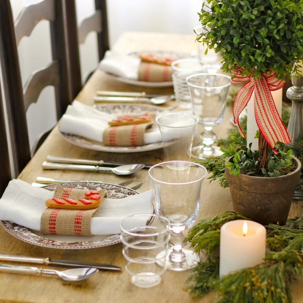50 Stunning Christmas Table Settings — Style Estate