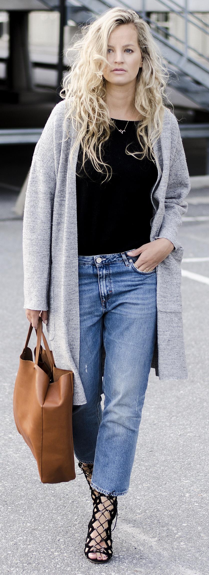 Vest – SET Fashion // Jeans – Acne Studios // Bag – Sandqvist // Heels – Gianvito Rossi // Jewelry – Euna Joyce // Top – Ganni