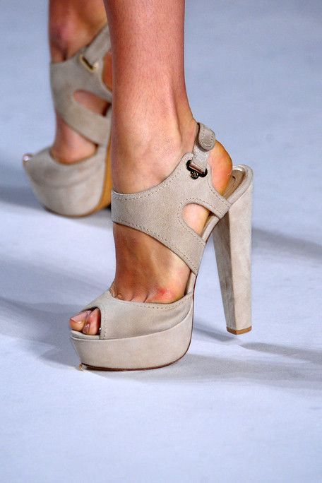 trending-high-heels-fashion-2016-2017_56.jpg
