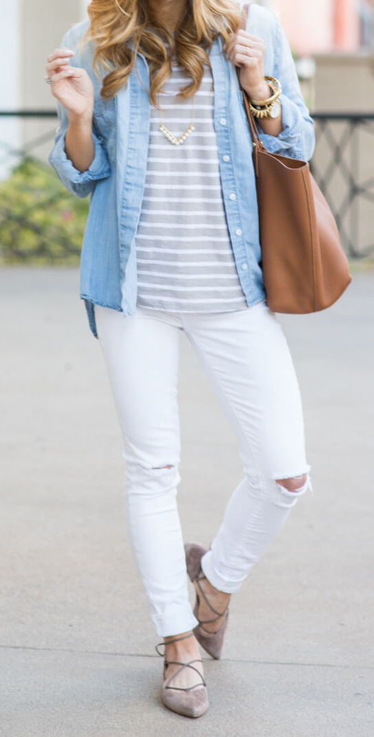 white jeans, neutral stripes, gigi new york tori tote http://www.brightontheday.com