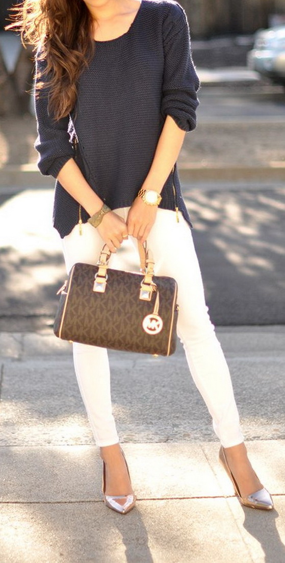 Street Style - Navy knit sweater, white jeans, metallic heels and Michael Kors Grayson by @hapatimee www.hapatime.com