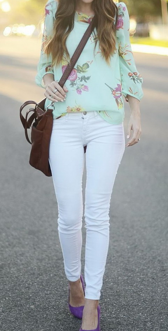 Wear a flowy floral blouse with white denim for a romantic and airy feel. Accessorize with colored pumps and simple jewelry.
