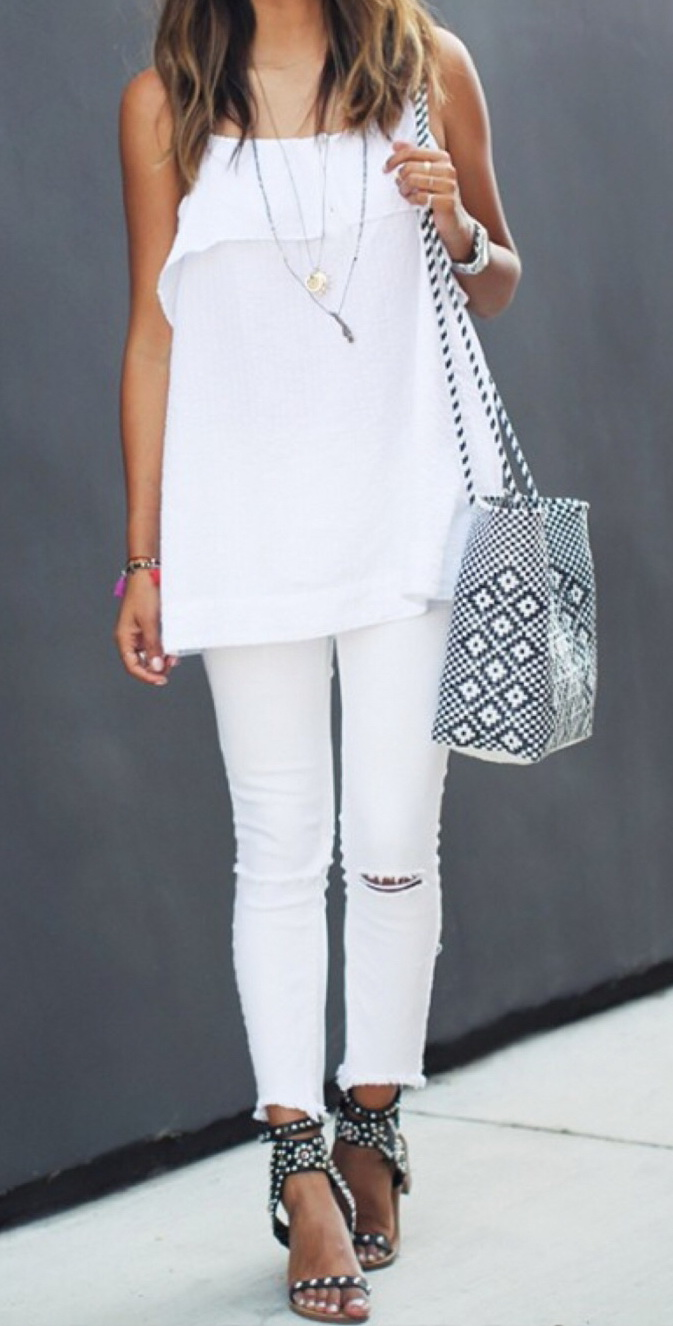 All White Outfit by Sincerely Jules http://sincerelyjules.com/