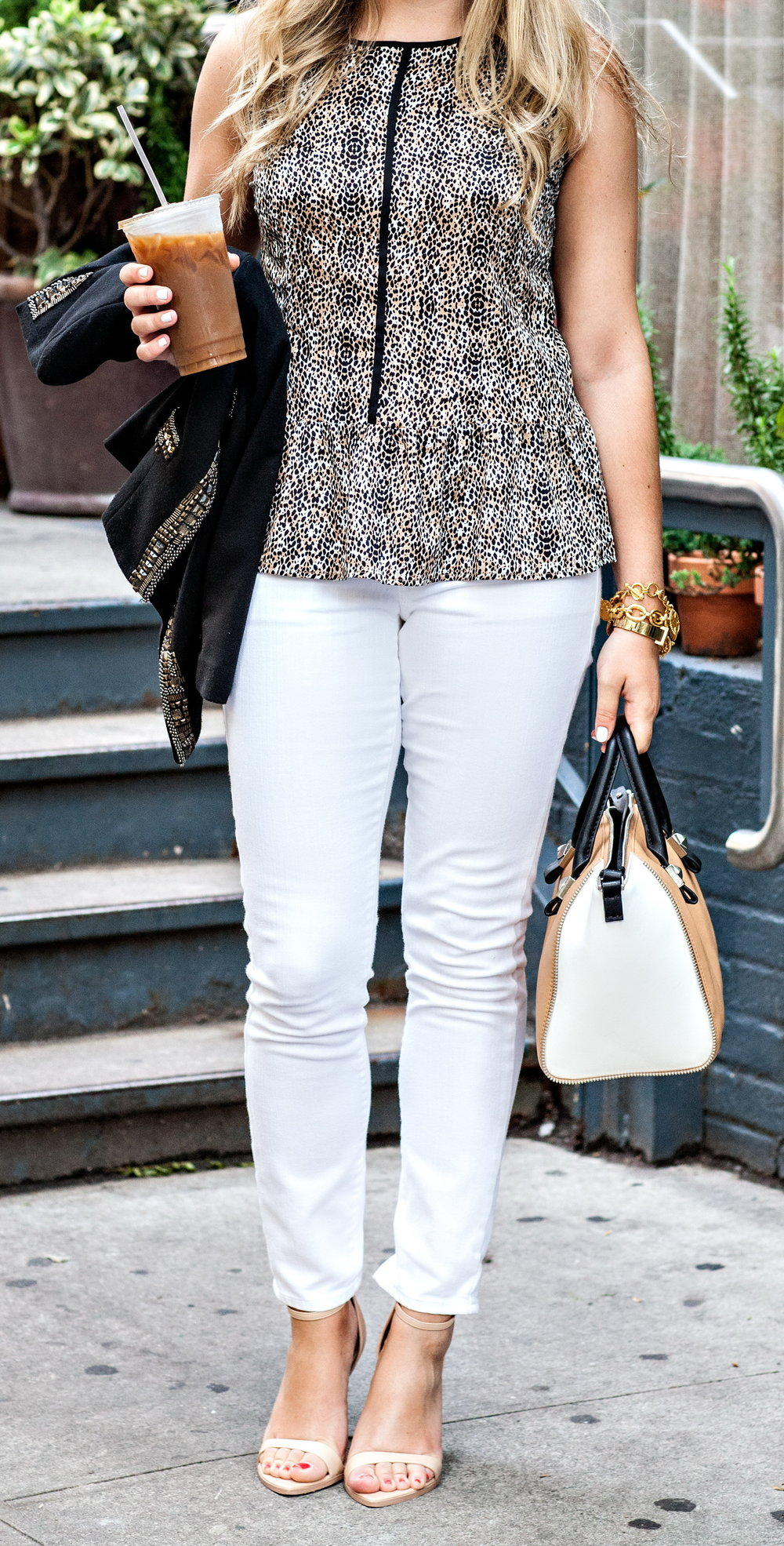 Wear White Jeans to the Work Place http://www.bowsandsequins.com