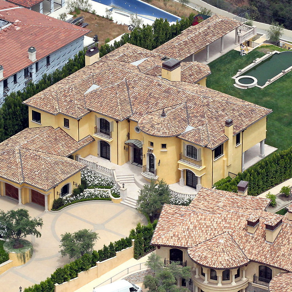 Kim Kardashian and Kanye West have reportedly splashed†out nearly $11 million for this Mediterranean