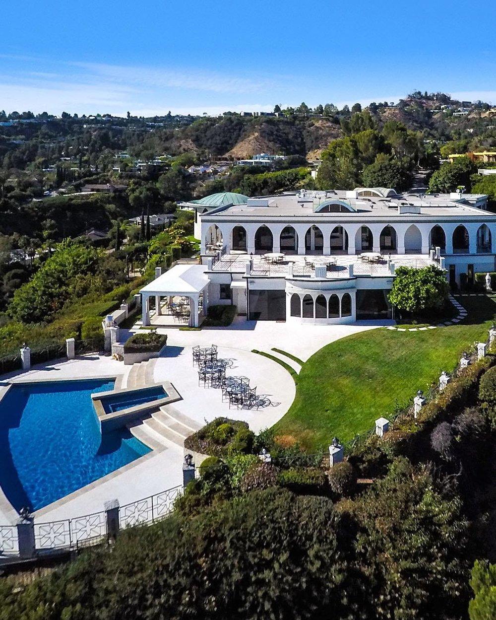 1187 N Hillcrest Rd. #BeverlyHills, CA 👌😎#styleestate