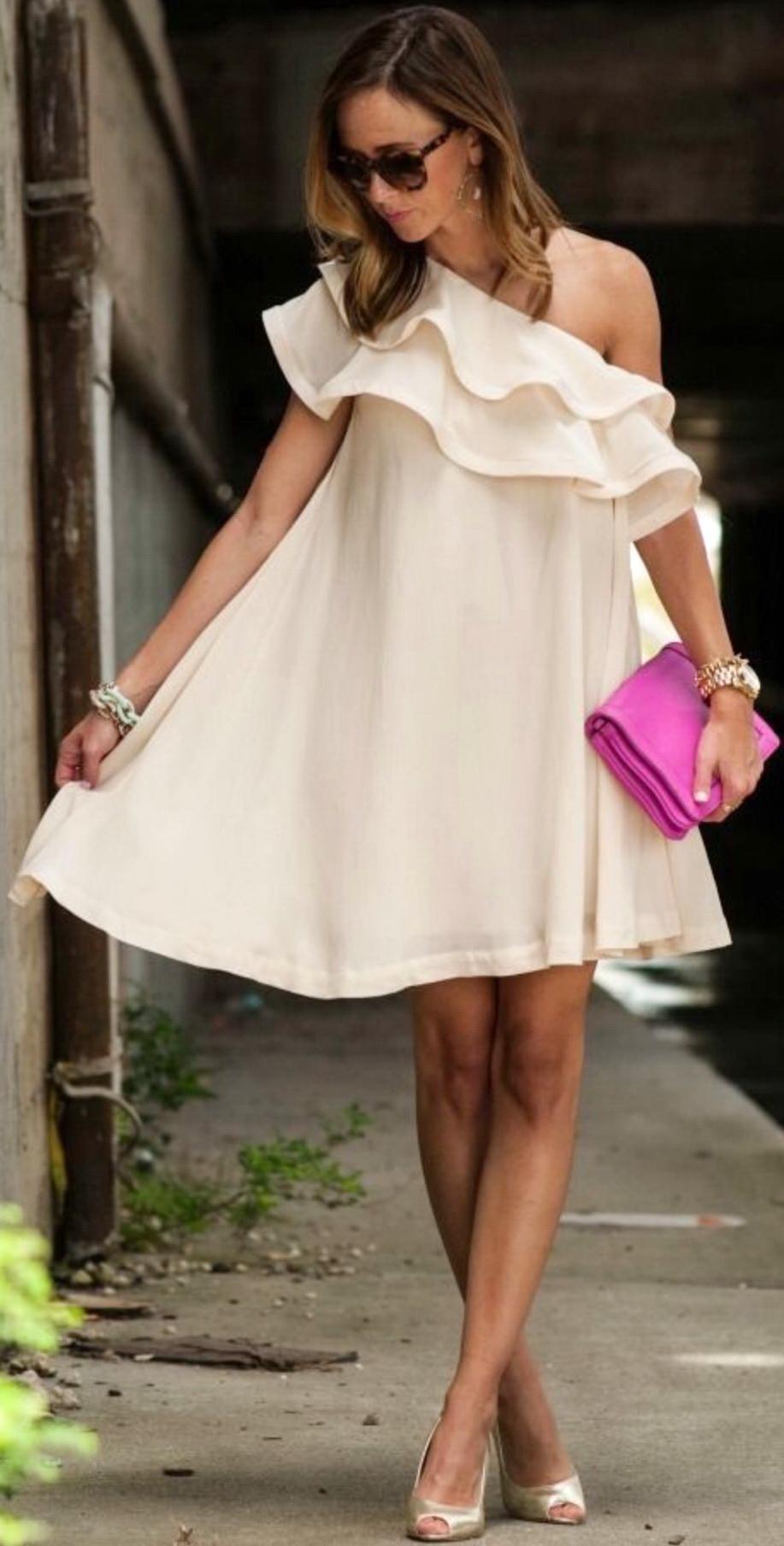 http://glamradar.com/kristina-bazan-minimalist-style-for-summer/