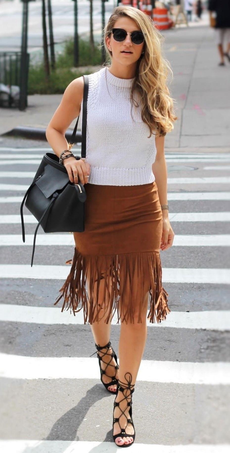 http://2.bp.blogspot.com/-9IJ62Bh2jbs/VeNb-Xt15RI/AAAAAAAADD8/cLGJQYOkvNE/s1600/forever21-fringe-skirt-dressed4dreams_3153%2B%25282%2529.JPG