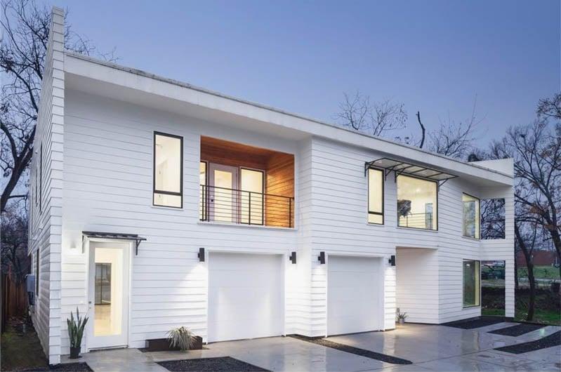 2004 e 12th b designer austin tx for Modern home builders austin tx