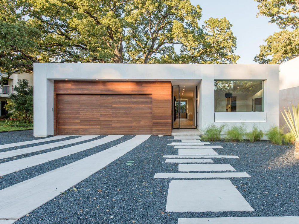 Modern home tour 2016 picks designer for Austin house