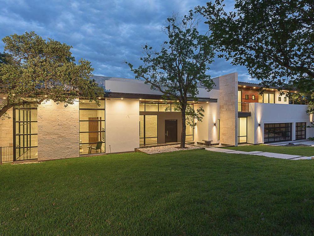 119 redbud designer austin tx for Modern home builders austin tx