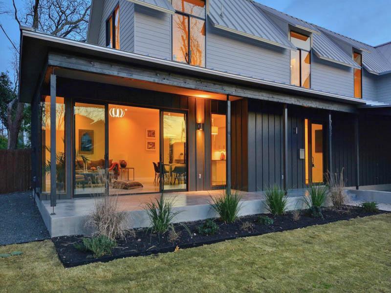 7301 hardy designer austin tx for Modern home builders austin