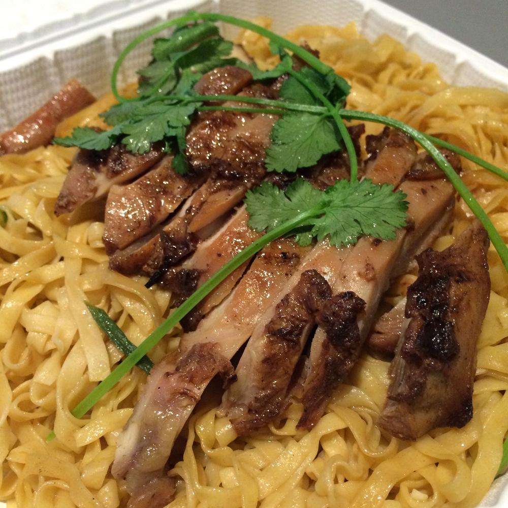 Du's Sandwich Garlic Noodles Chicken
