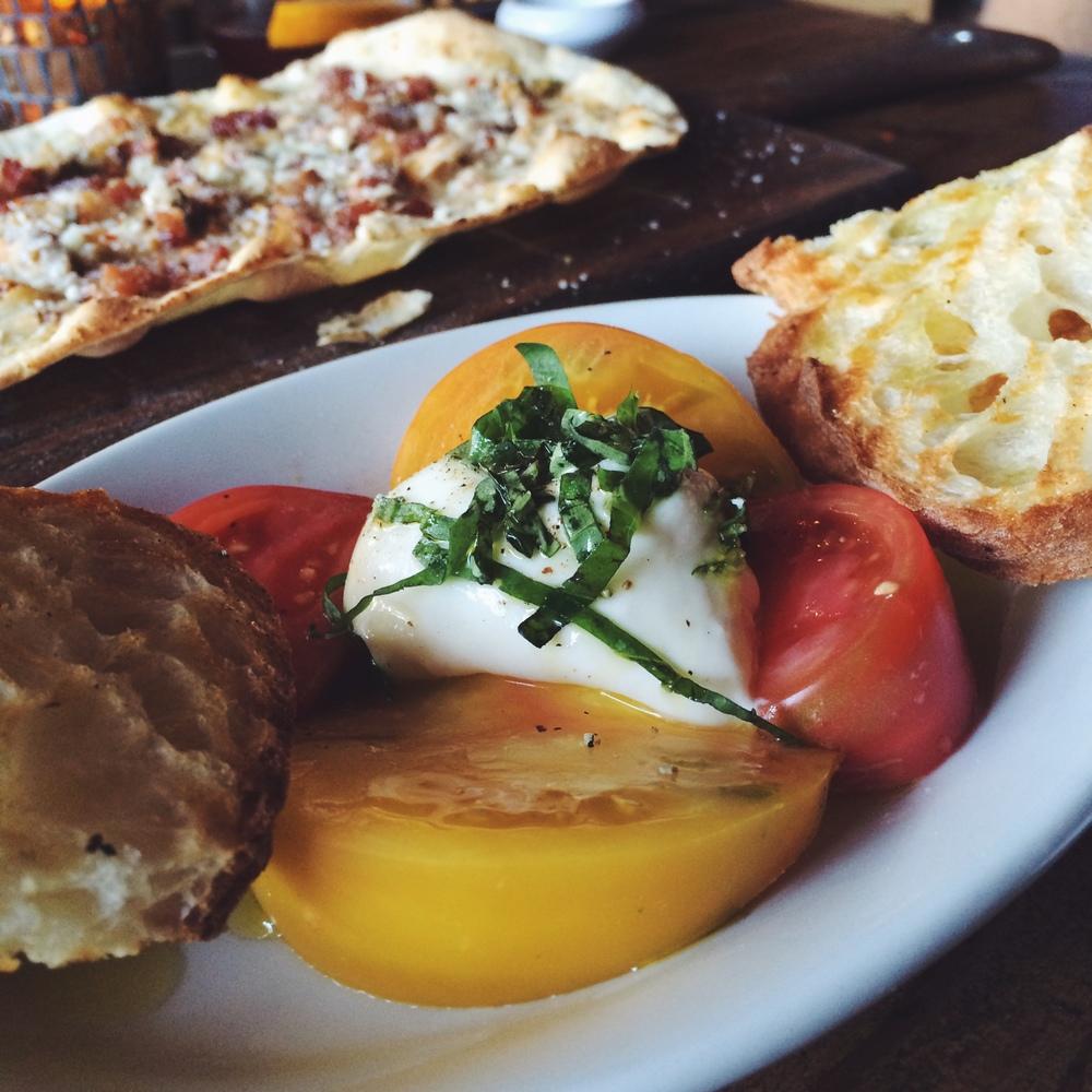 Barlago - fresh burrata, tomato, basil, olive oil