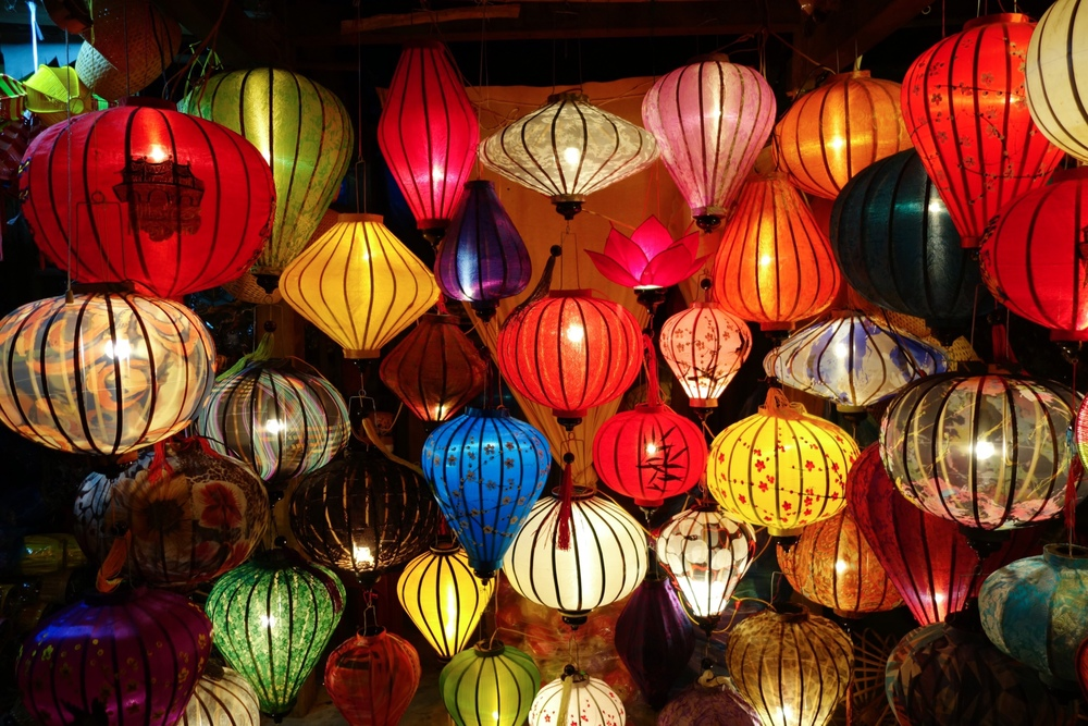 Exploring Vietnam: My Favorite Moments & Photos of Hoi An - Full Moon Lantern Festival Experience