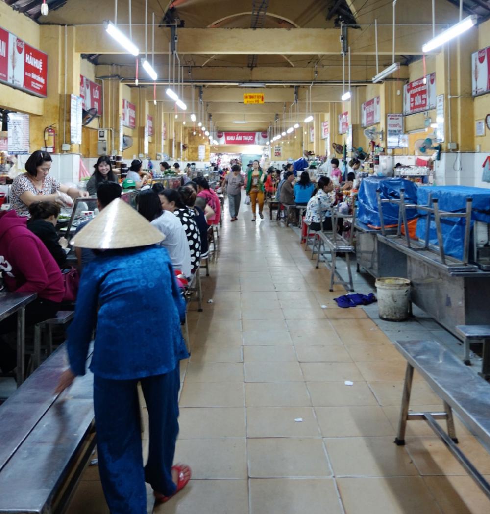 Con Market - Da Nang Vietnam Experience - Bites & Bourbon