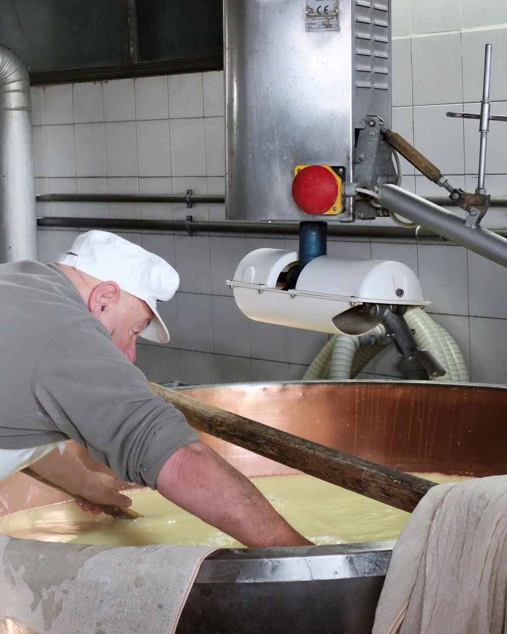Cheesemaster Giorgio is keeping the tradition alive! He's been making Parmigiano Reggiano for over 50 years.
