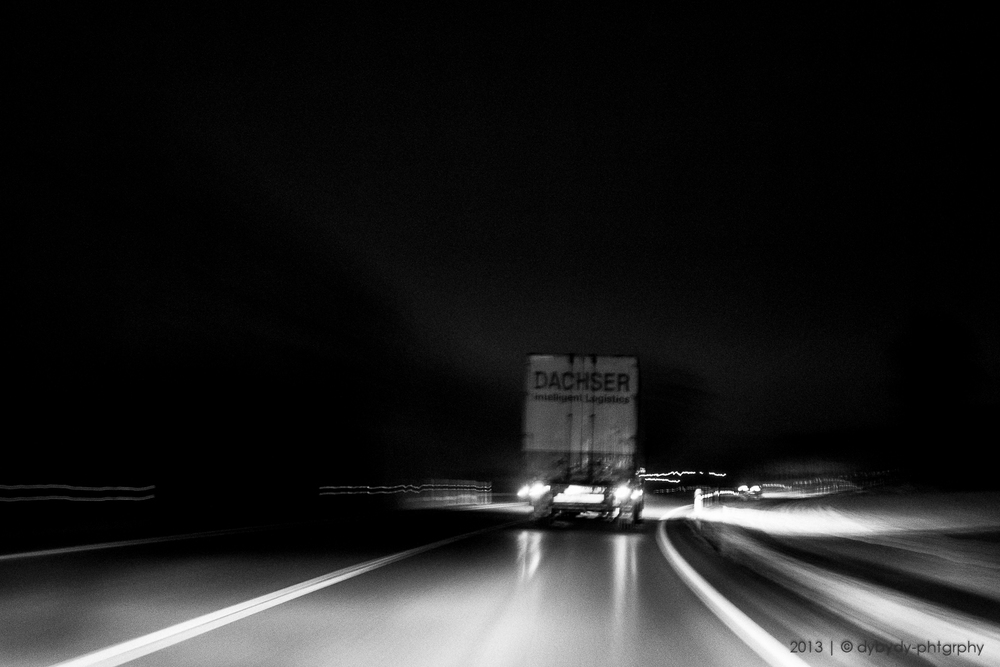 driving all night  - sony nex 7 | sel35 f1.8 | f4.0 | ISO1600 | 1.6s