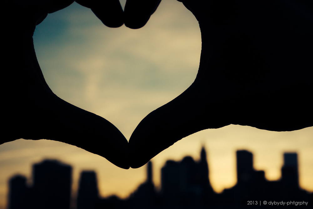 nyc heart - sony nex 7 | sel35 f1.8 | f8.0 | ISO100 | 1/160