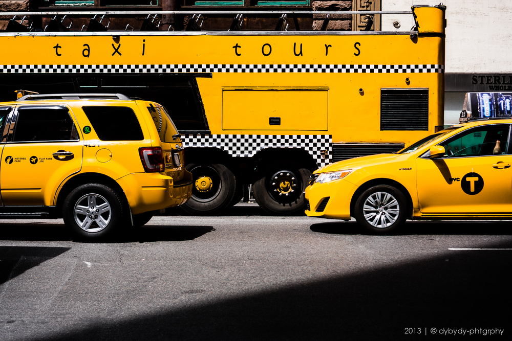 yellow-black touring - sony nex 7 | sel35 f1.8 | f2.8 | ISO100 | 1/1600