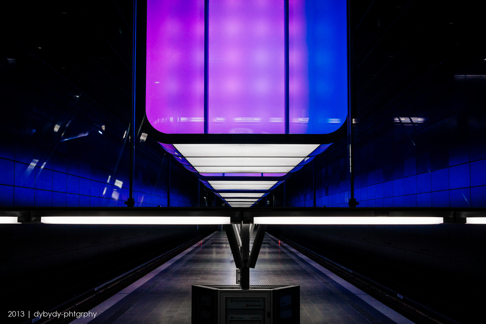 coloured station  - sony nex 7 | sel35 f1.8 | f5.6 | ISO400 | 1/60