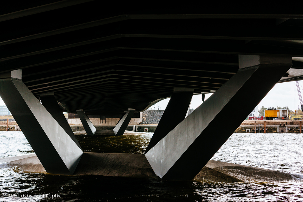 under the baakenhafenbruecke  - sony nex 7 | sel35 f1.8 | f5.6 | ISO100 | 1//125