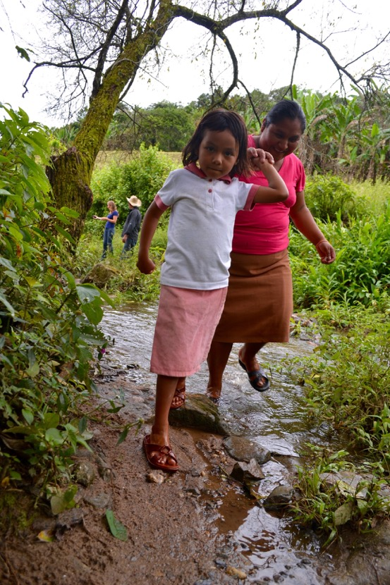 Children from Nueva Esperanza Village