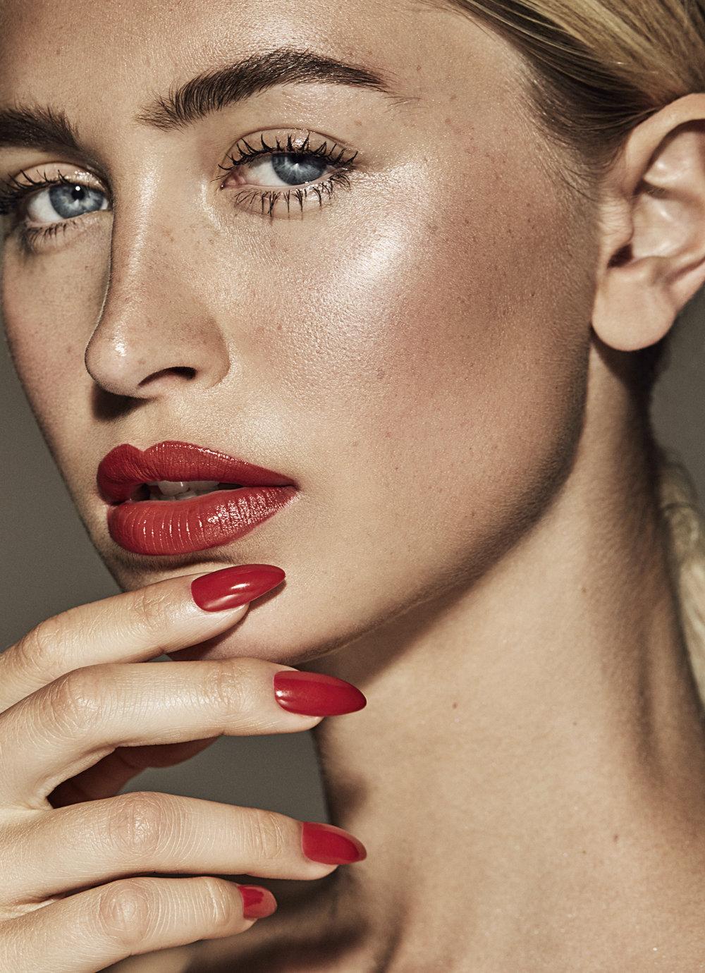 LipsNails_1_092_v2.jpg