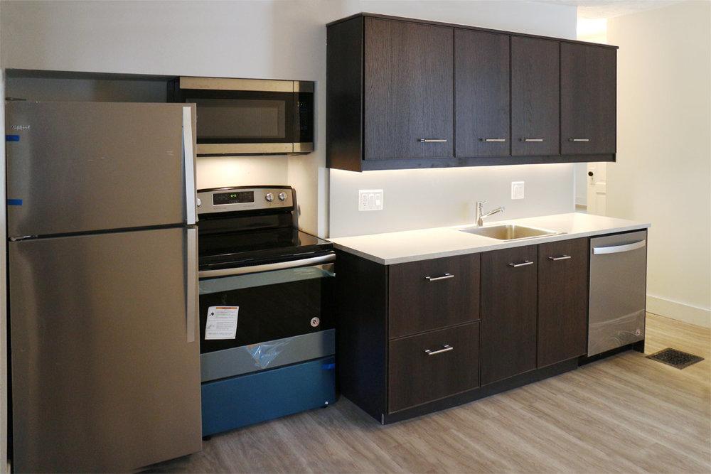 2079-MH_Kitchen_LR.jpg