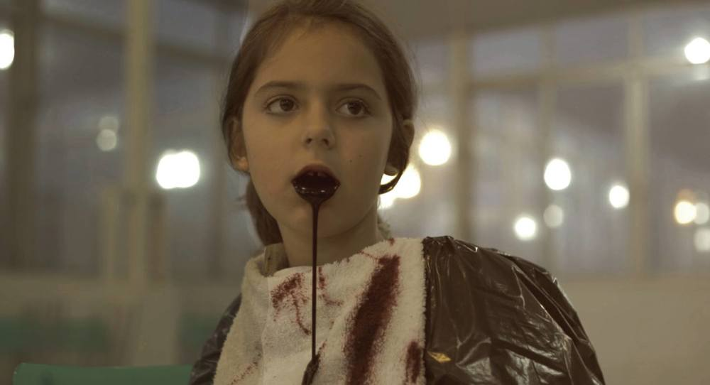 Liz Comerlatto, em um dos testes de maquiagem de efeito.