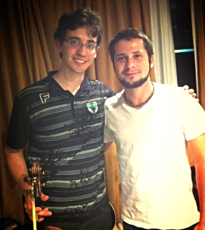 À esquerda, Fábio Saggin (viola). À direita, Mateus Mira.