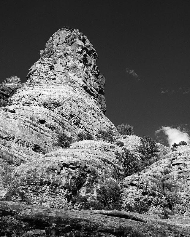 Bell Rock #sedona #bellrock #fujixt2 #fujixseries #fujifilm #naturephotography #nature #optoutside #landscapephotography #landscape #vortex #bnw_captures #blackandwhitephotography #worldshotz