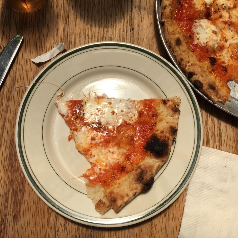 Robertas Pizza, Bushwick NY