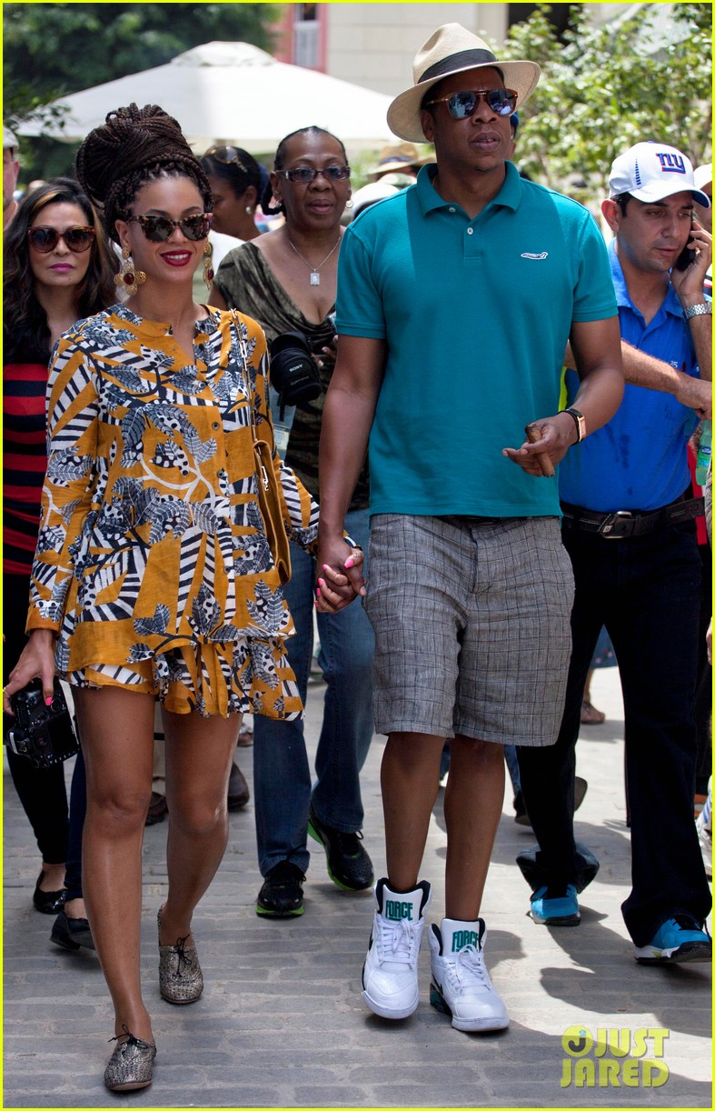 beyonce-jay-z-celebrate-fifth-anniversary-in-havana-05.jpg