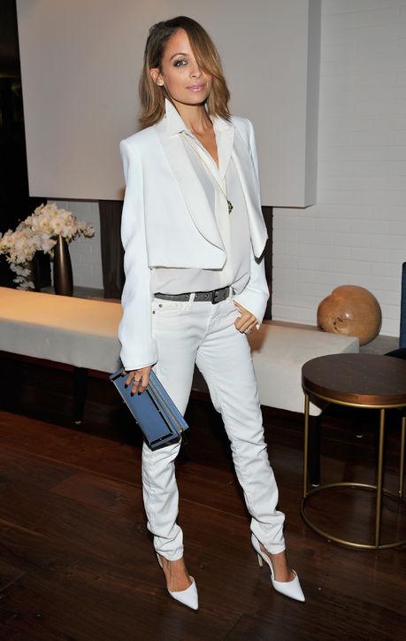 nicole-richie-chloe-white-jeans-blazer-h724.jpg