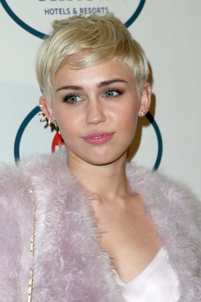 Miley+Cyrus+56th+Annual+GRAMMY+Awards+Pre+qwZQeos_Nnkl.jpg