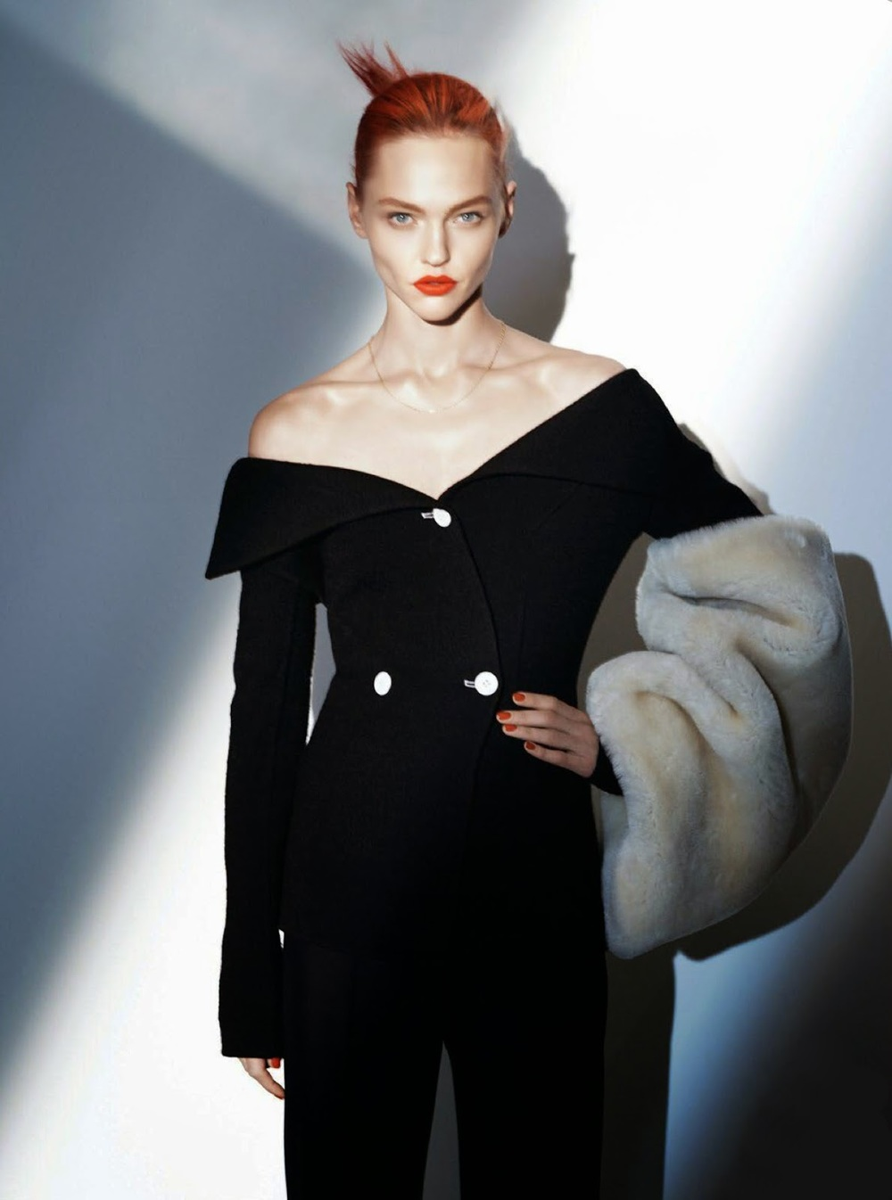 sasha-pivovarova-by-david-sims-for-vogue-paris-august-2014-6.jpg