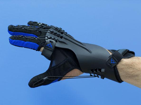 NRAH_Saebo_Glove.jpg