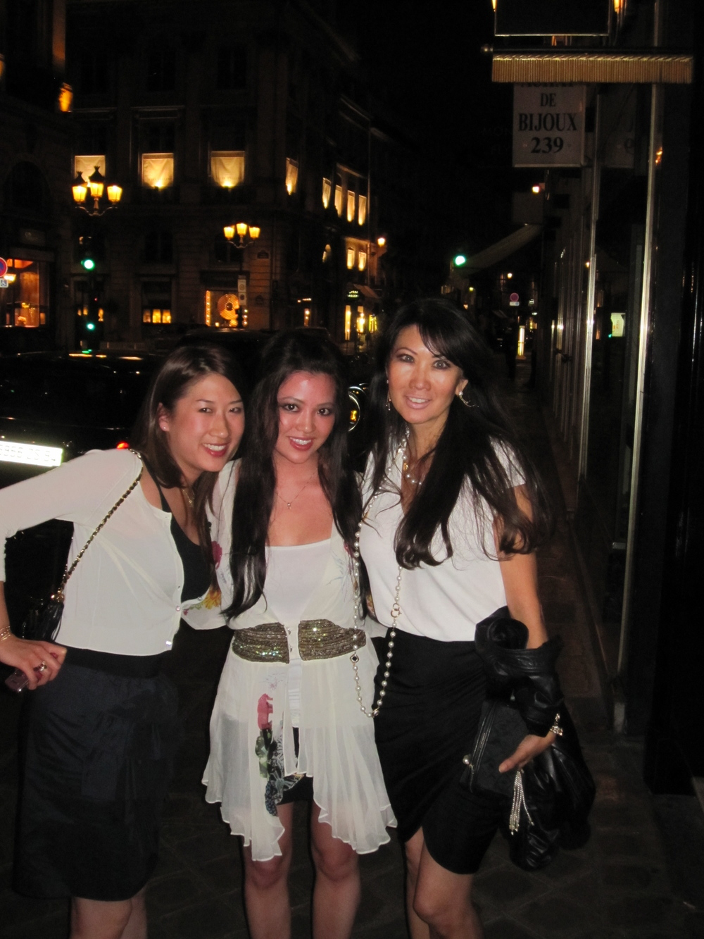 Night out with my daughter Jessi & niece Yuki.  In front of La Costes Hotel Paris.