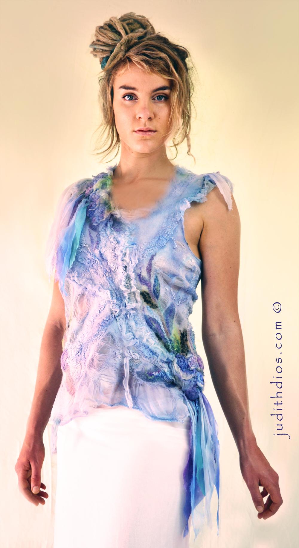 Judith Dios chemise.jpg