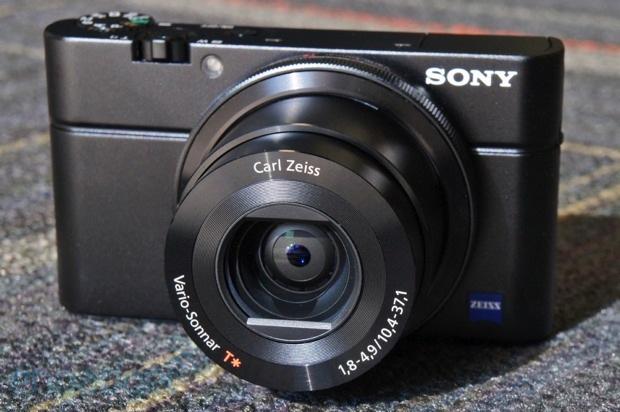 Shiny. Sony Cybershot DSC RX100 III