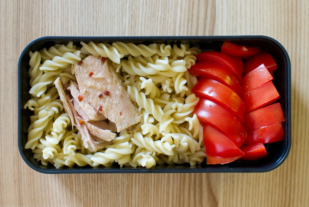 fusilli with tuna and tomatoes