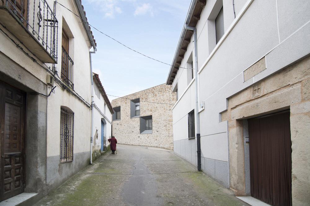 Stone House - Ramiro Losada-Amor - Alberto Garcia Jimenez 04.jpg
