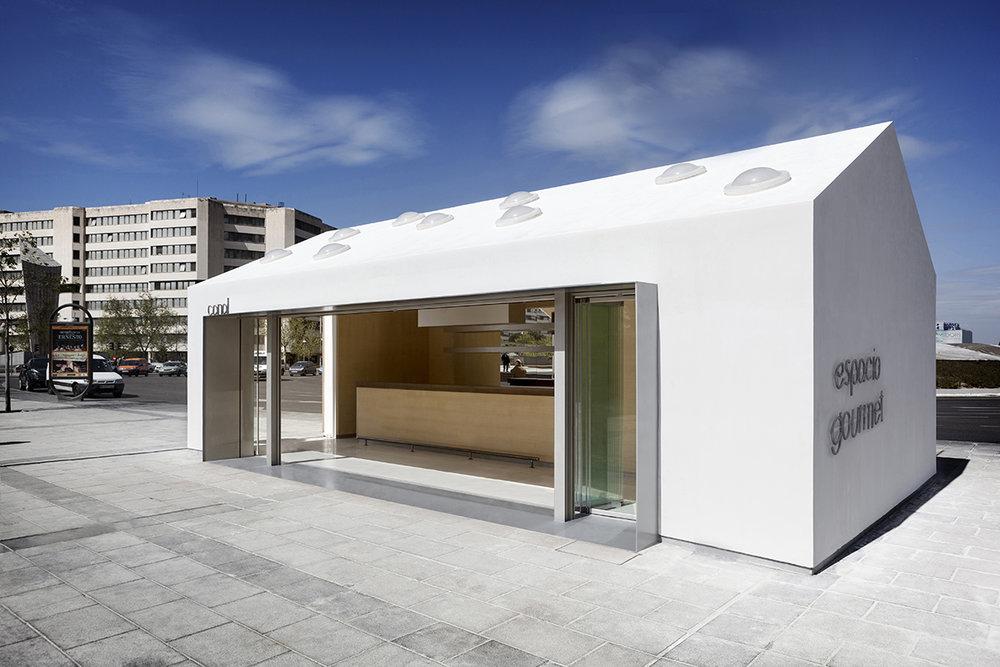 Ramiro Losada Amor, Alberto Garcia - San Diego Pavilion, LG 007.jpg