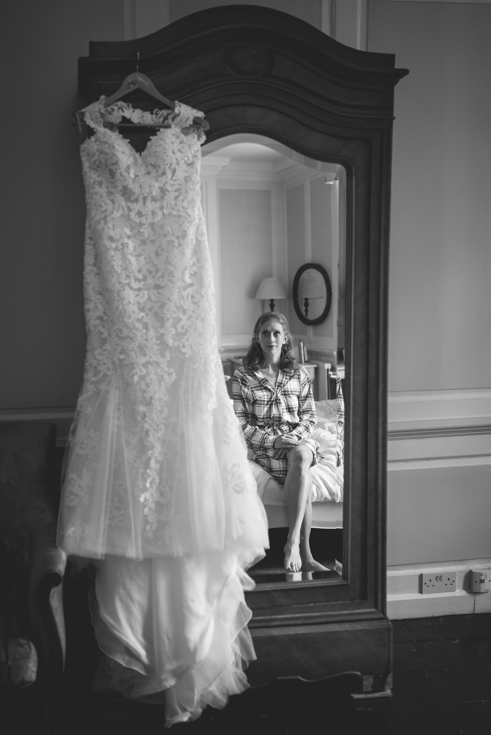 Tanya and Aaron Wiltshire wedding photography-6.jpg