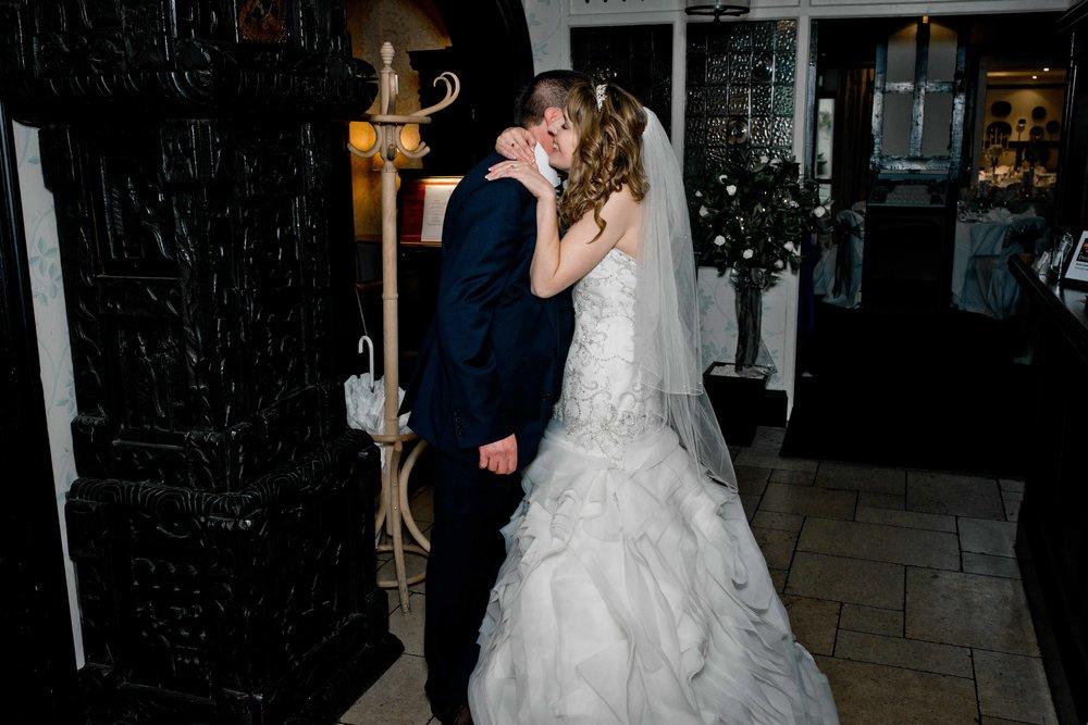 Red lion Salisbury wedding photogrpahy