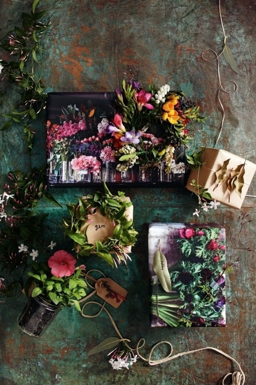 ETHICAL GIFT GUIDE: WRAPPING   Create a living wrapping with flowers and plants via  Homelife .